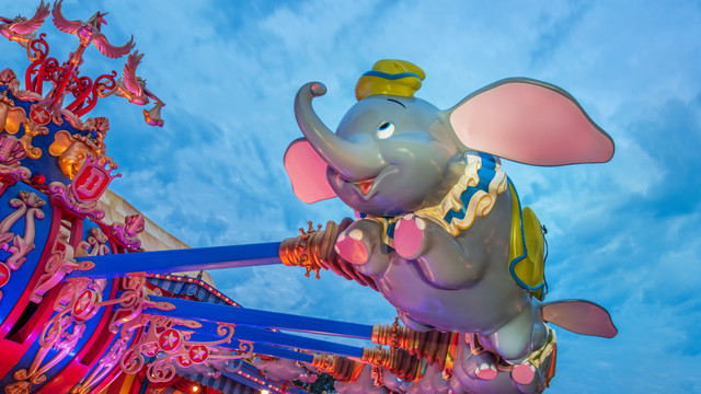 dumbo-the-flying-elephant-gallery02