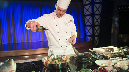 food-wine-overview-culinary-demonstrations-00