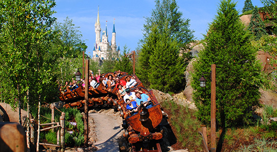 Seven-Dwarfs-Mine-Train-Coaster-Castle-544x300.jpg