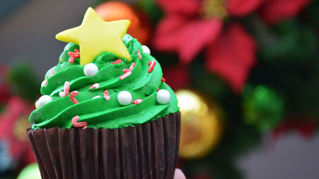 holiday-tree-cupcake.jpg